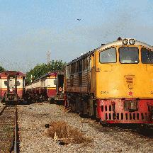 タイ国鉄 泰緬鉄道の旅 1 - 早朝のバンコク=トンブリー駅